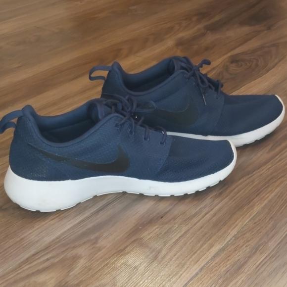 Nike Other - Nike roshe ones